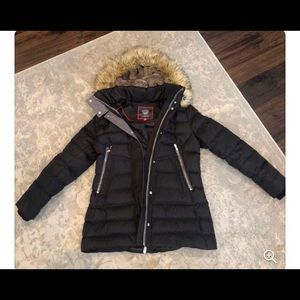 Vince Camuto coat size small